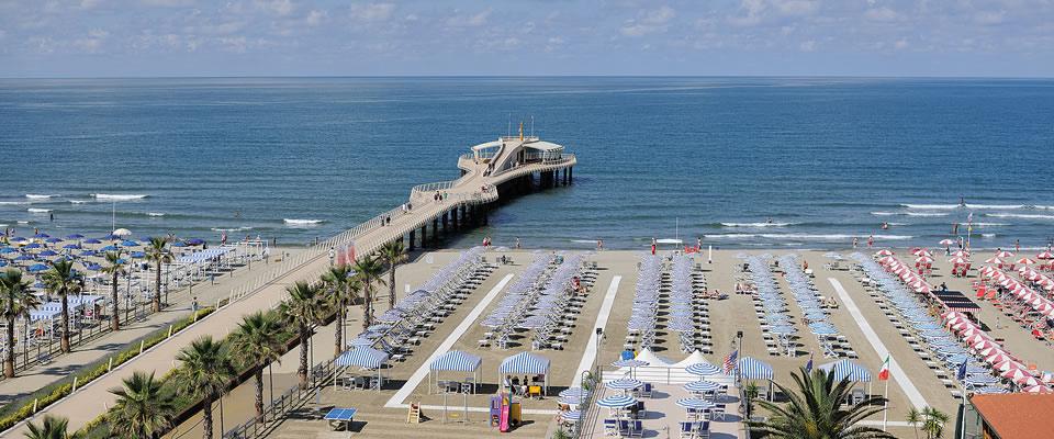 lido di camaiore versilia Lucca coast beach best coast ...