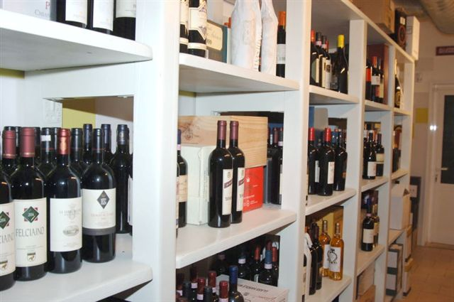 CAFFE' SIRENA WINE BAR GELATERIA : vinoteca -