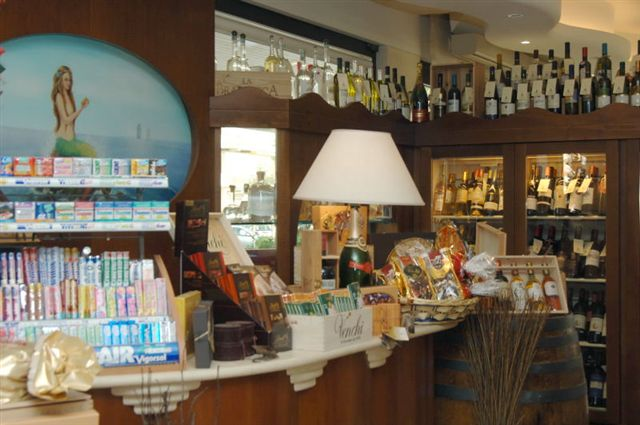 CAFFE' SIRENA WINE BAR GELATERIA : Caffe Winebar Sirena -